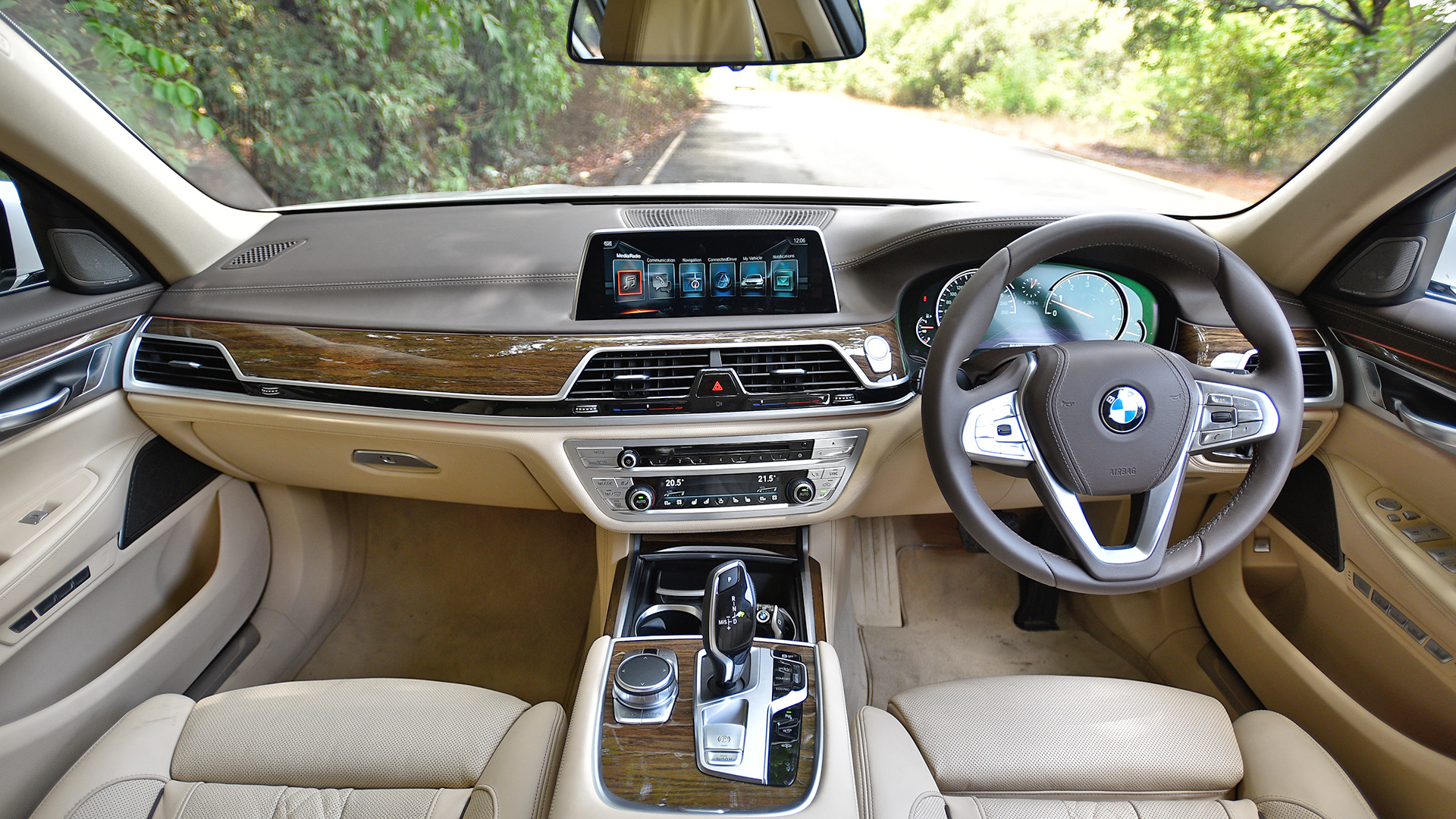 Car Dashboard Wallpaper Bmw 7 Series 2017 Price Mileage Reviews Specification