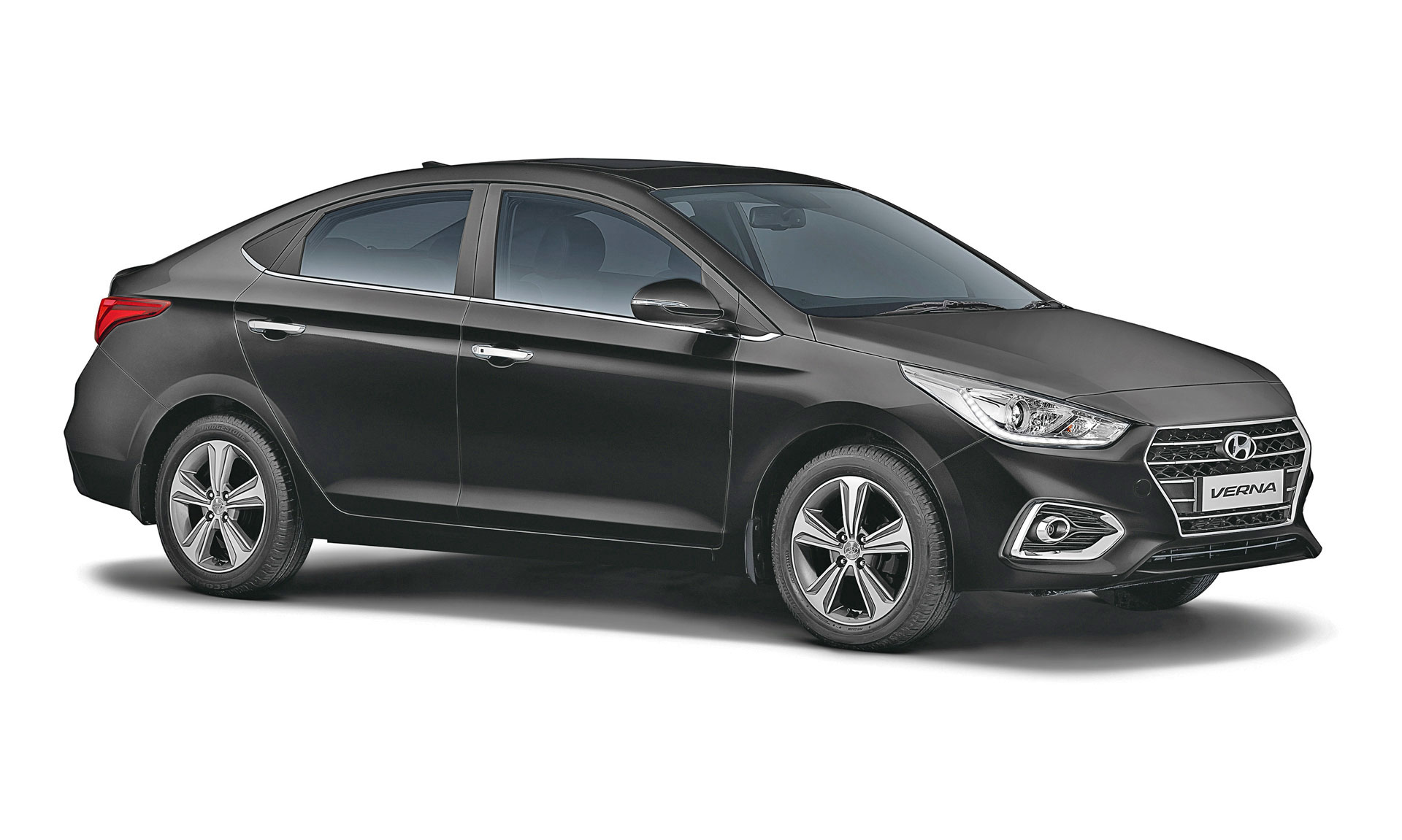 Cars Price Hyundai Verna 2018 Price Mileage Reviews Specification