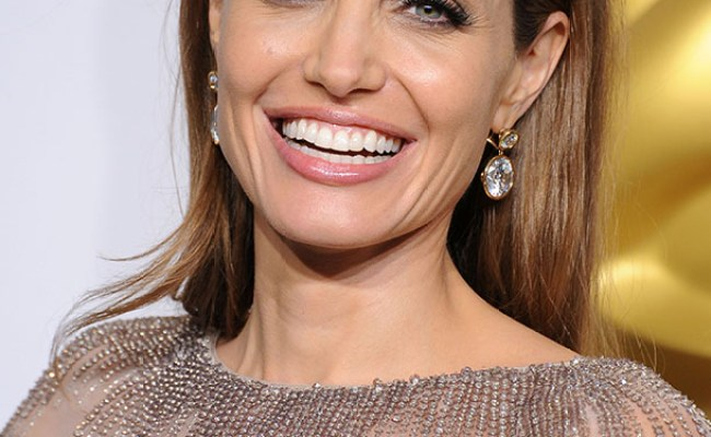 The 5 Best Beauty Lessons We Ve Learned From Angelina