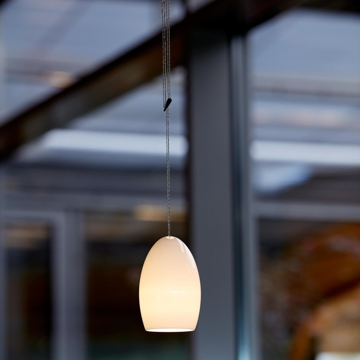 Eames Stuhl Oh China Led-pendelleuchte | Tobias Grau | Ambientedirect.com