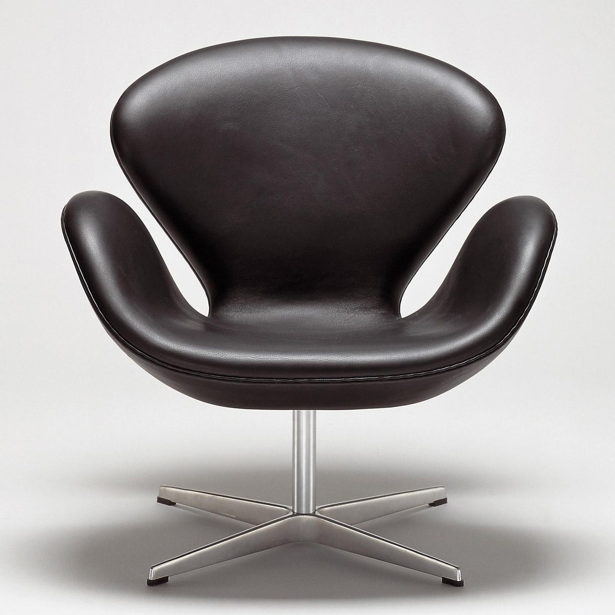 Swan Sessel Swan Chair Sessel Leder | Fritz Hansen | Ambientedirect.com
