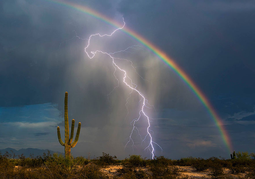 Lightning And Rainbow Captured Together In Once In A Lifetime Shot