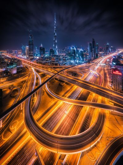 Night-Time Dubai Looks Like It Came Straight From A Sci-Fi Movie | Bored Panda