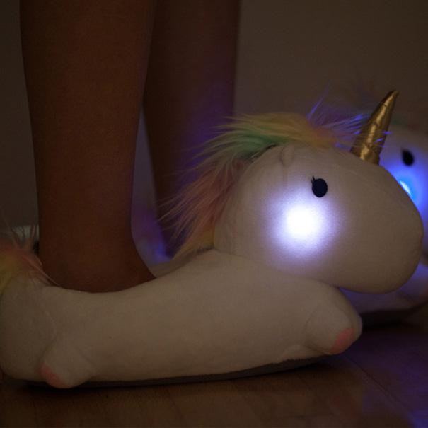 Unicorn-kapcie-light-up-3