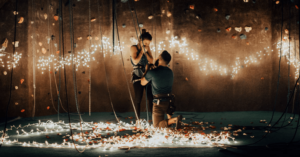 Falling Rose Petals Wallpaper Rock Climber Proposes To His Girlfriend In The Most