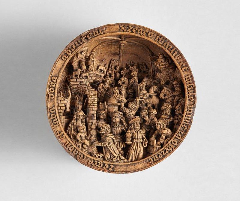 miniature-boxwood-carvings-16th-century-13