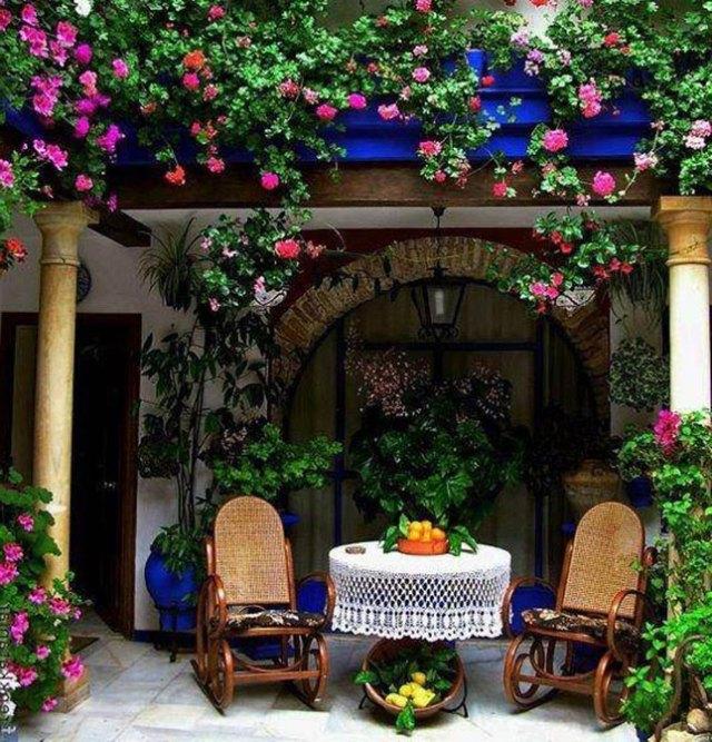15 idee per arredare balconi terrazzi e verande guida for Terrazzi con piante e fiori