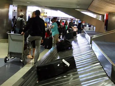 Woman Sues Delta For Lost Luggage - Business Insider