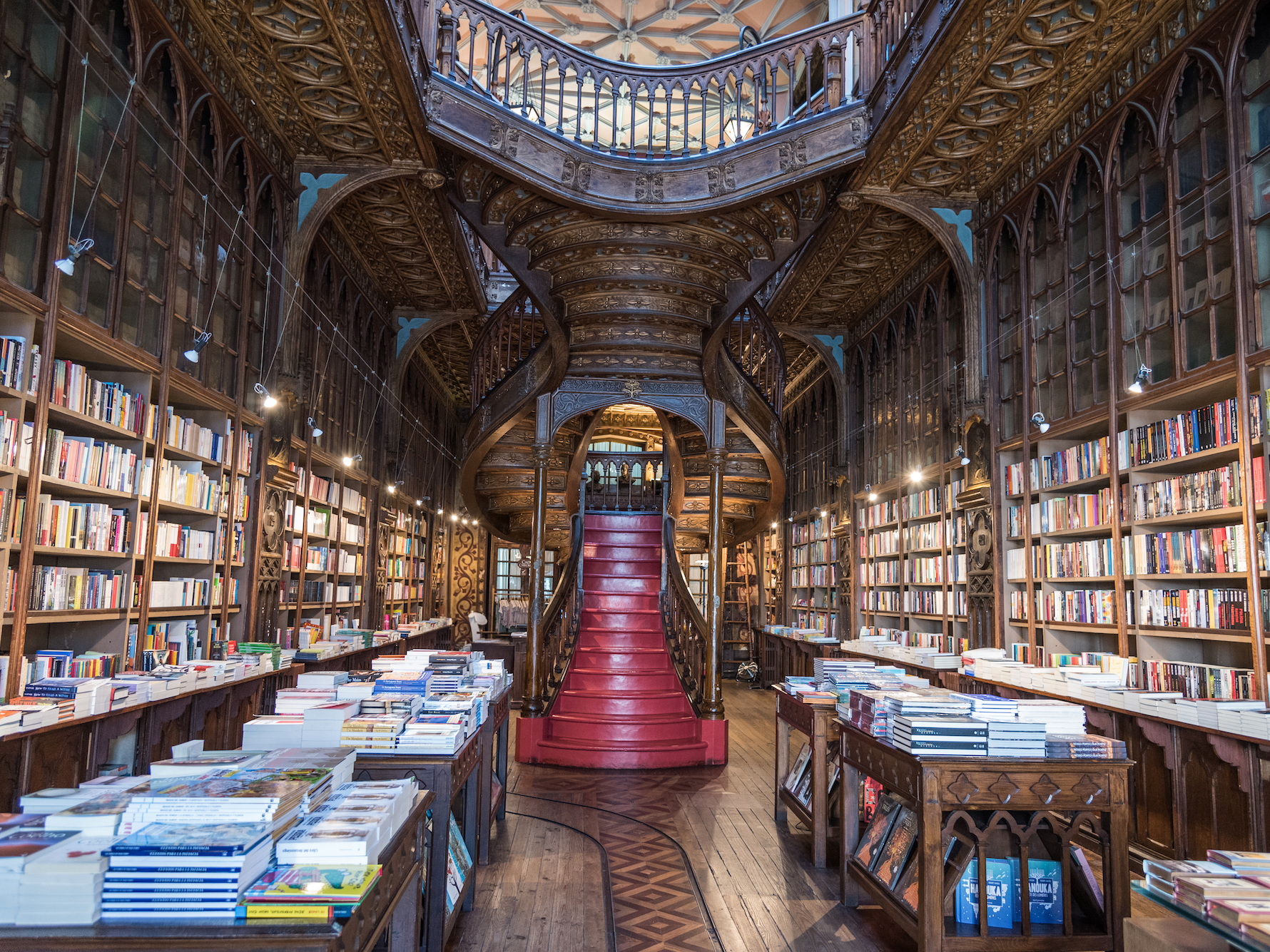 Librería Lello E Irmao 2 Photos Show How Different It Is Visiting Portugal In The