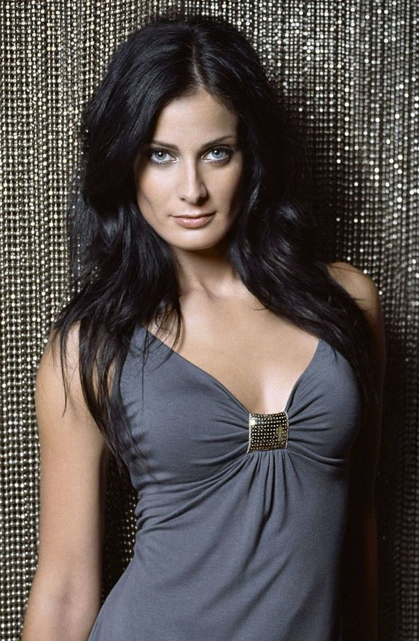 X Ray Wallpaper Iphone 7 Dayanara Torres Actor Cinemagia Ro