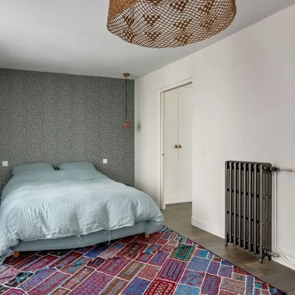 Mettre de la couleur dans une chambre d\u0027adulte - Côté Maison