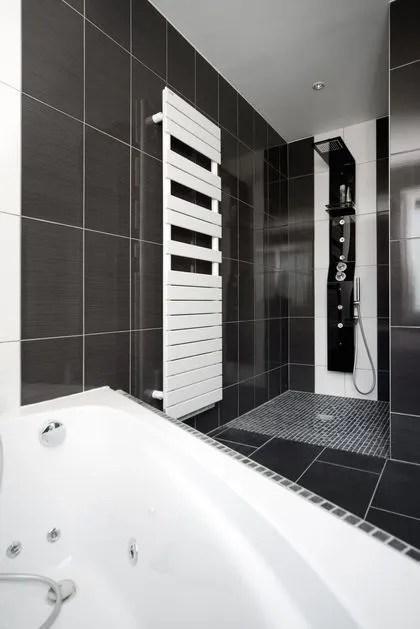 Salle de bains avec douche et baignoire - Côté Maison - Salle De Bain Avec Douche Et Baignoire