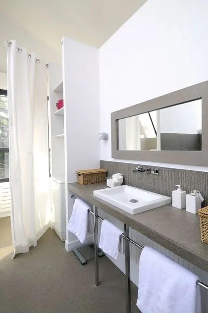 Meuble de salle de bains  13 photos de meubles bien intégrés à la - Salle De Bain En Siporex