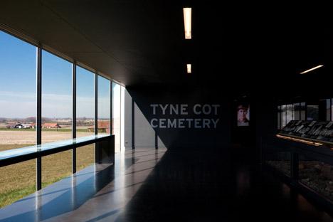 Tyne-Cote-Cemetry-entrance-pavillion-by-Govaert-and-Vanhoutte-architectuurburo_dezeen_468_9