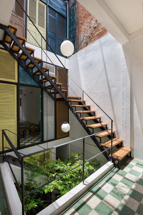Guest House Di Vietnam Ini Memiliki Fasad Dari Jendela
