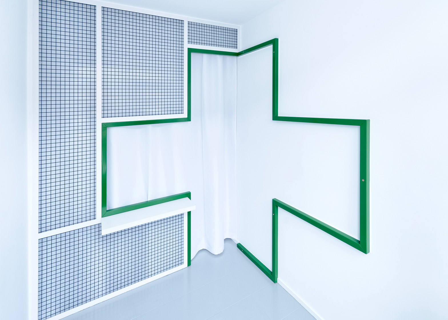Usm Möbel Klinik Südhang Adam Wiercinski Creates Green Cross Interior For Denture Clinic