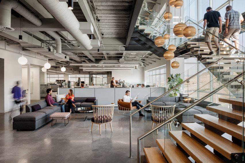 Rapt Studio creates \u201cfamily rooms\u201d inside HQ for genealogy tech company