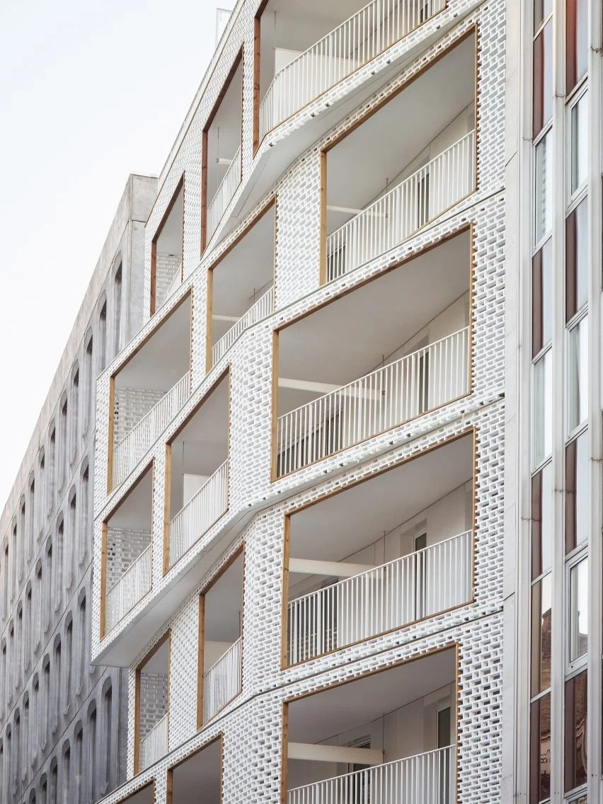 Architecte Paris 10 Odile Guzy Architectes Adds White Lattice Screens To Paris