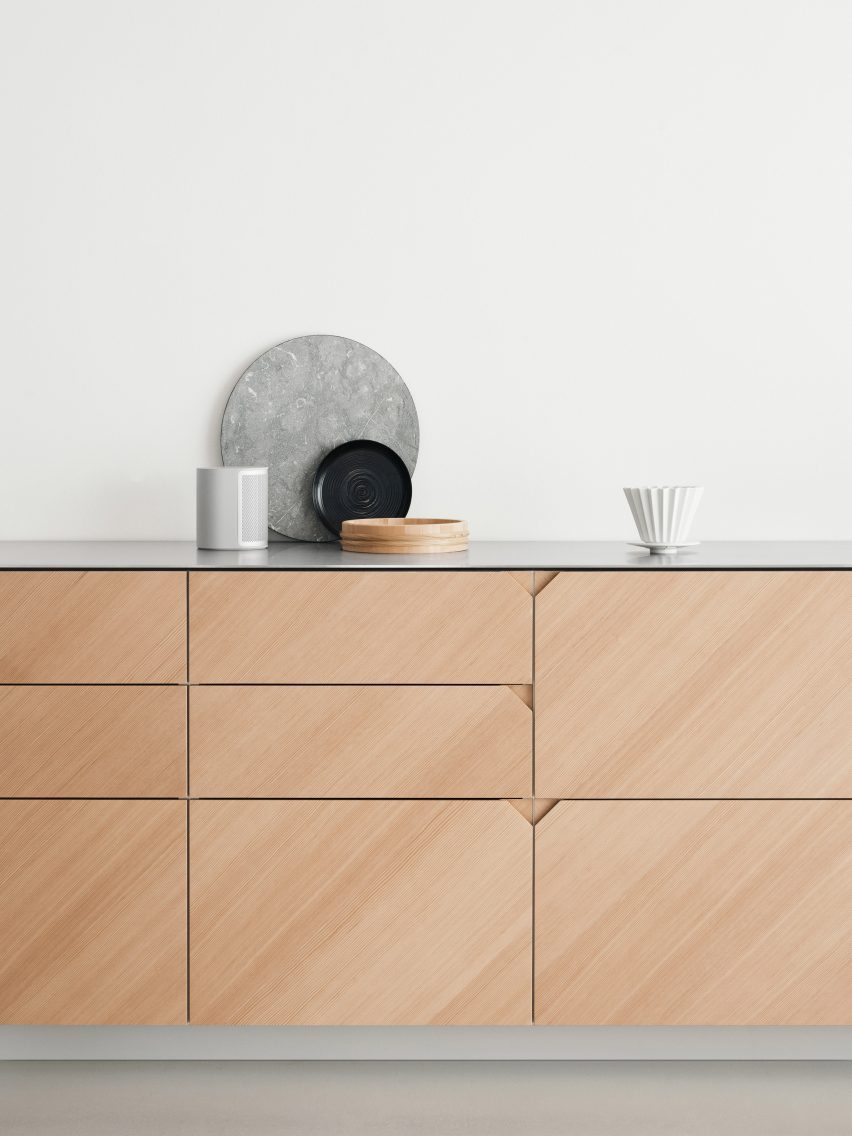 Ikea Küche Reform Cecilie Manz Hacks Ikea Kitchen Using Steel And Warm Toned Wood