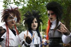 Emo vs Goth - Difference and Comparison | Diffen