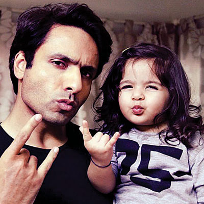 Cute Indian Married Couple Wallpaper I Want My Daughter To Be Strong Iqbal Khan