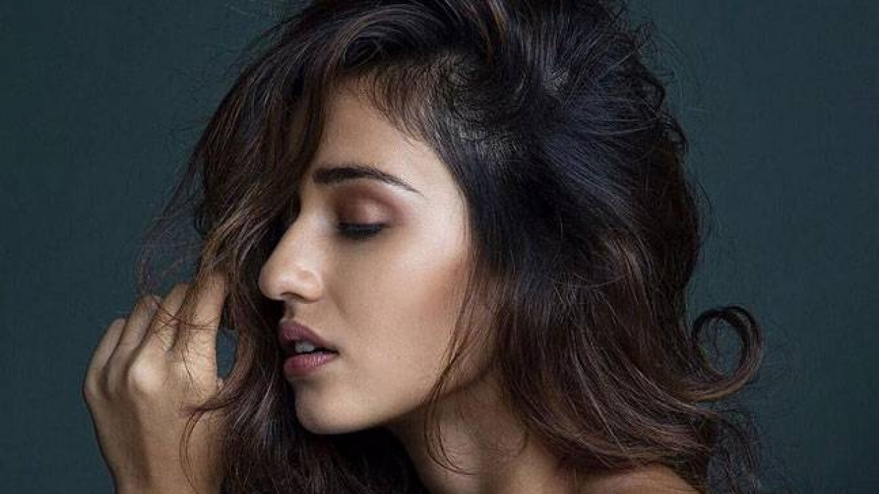 Rcb Hd Wallpapers Free Download Too Shy Too Lucky Too Selfish Disha Patani Is All That