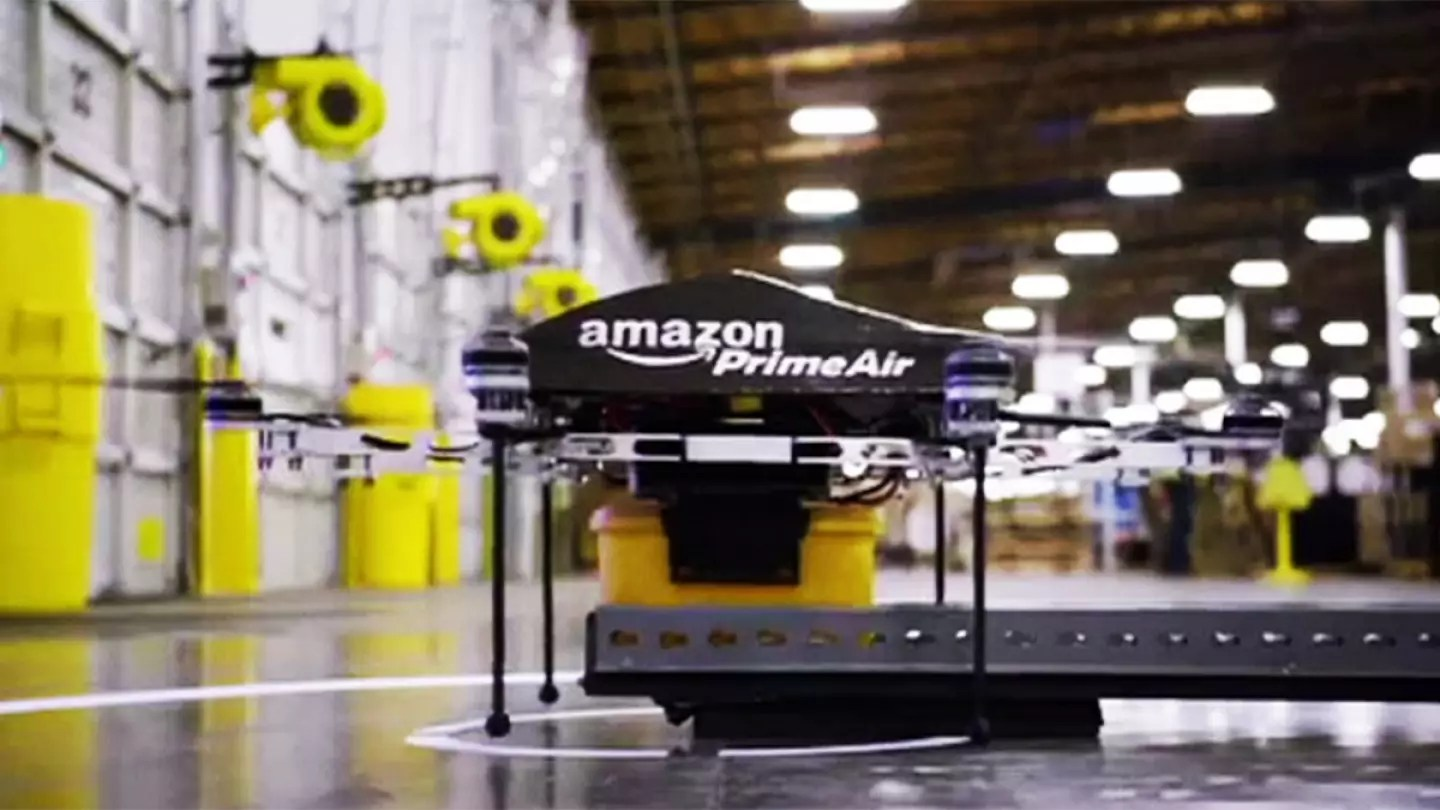 Amazon Usa Livraison France Amazon Makes Drone Delivery History