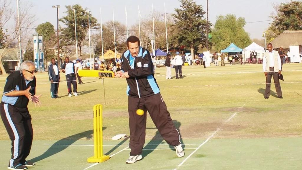 Photo Botswana\u0027s Khama plays cricket as vice represents him at UN