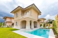 Villa mit privat Pool am Gardasee - Ferienhaus in Manerba ...