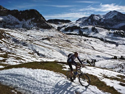 Part way up to Col de Chavan