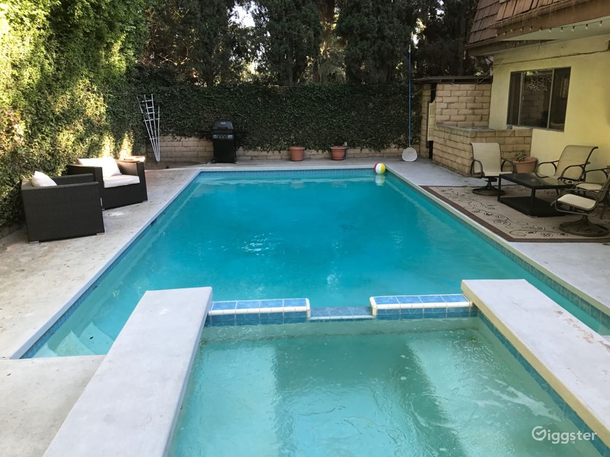 Jacuzzi In The Pool 70 S Retro Home W Pool Jacuzzi Music Studio