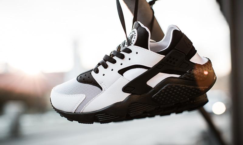 Alone Girl Wallpaper Nike Wmns Air Huarache Run Quot White Black Quot Highsnobiety