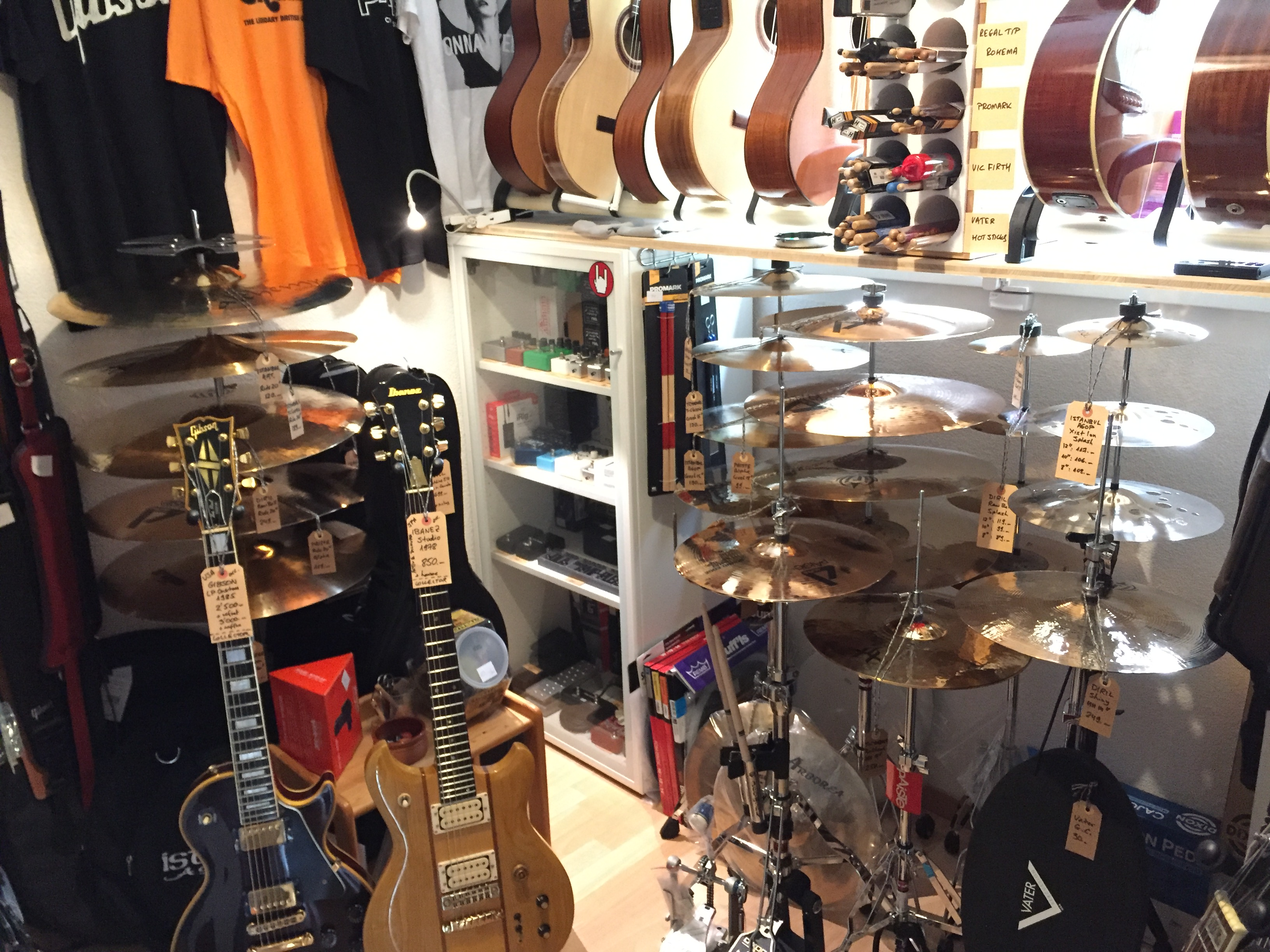 Magasin Musique Annecy Magasin De Musique Music Groove Your Friendly Neighbourhood