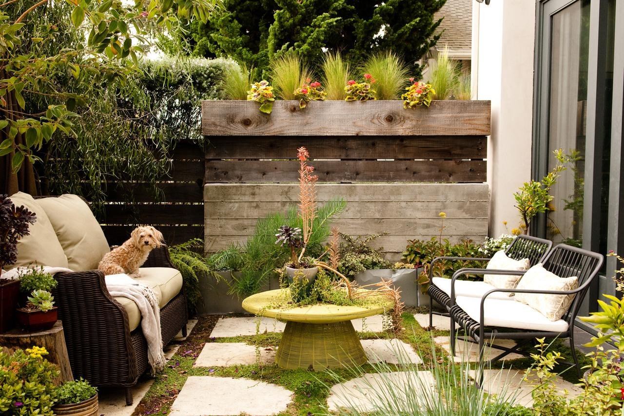 Amenagement Exterieur Daniel Moquet Small Backyard Ideas | How To Make A Small Space Look Bigger