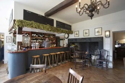 The Beckford Arms, Fonthill Gifford, Tisbury, Wiltshire ...