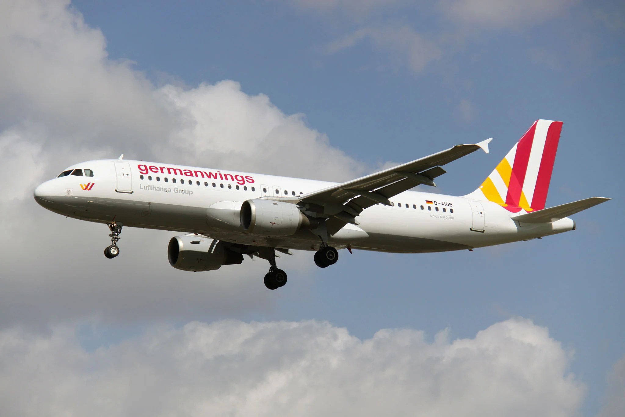 Airbus Iphone Wallpaper Germanwings Tweets News Of Airbus A320 Crash In French