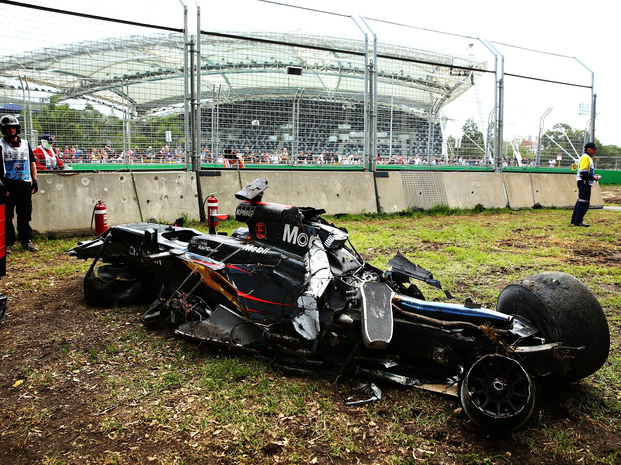 Fernando Alonso F1 Grand Prix Fernando Alonso Crash F1 Driver Admits He S Lucky To Be Alive