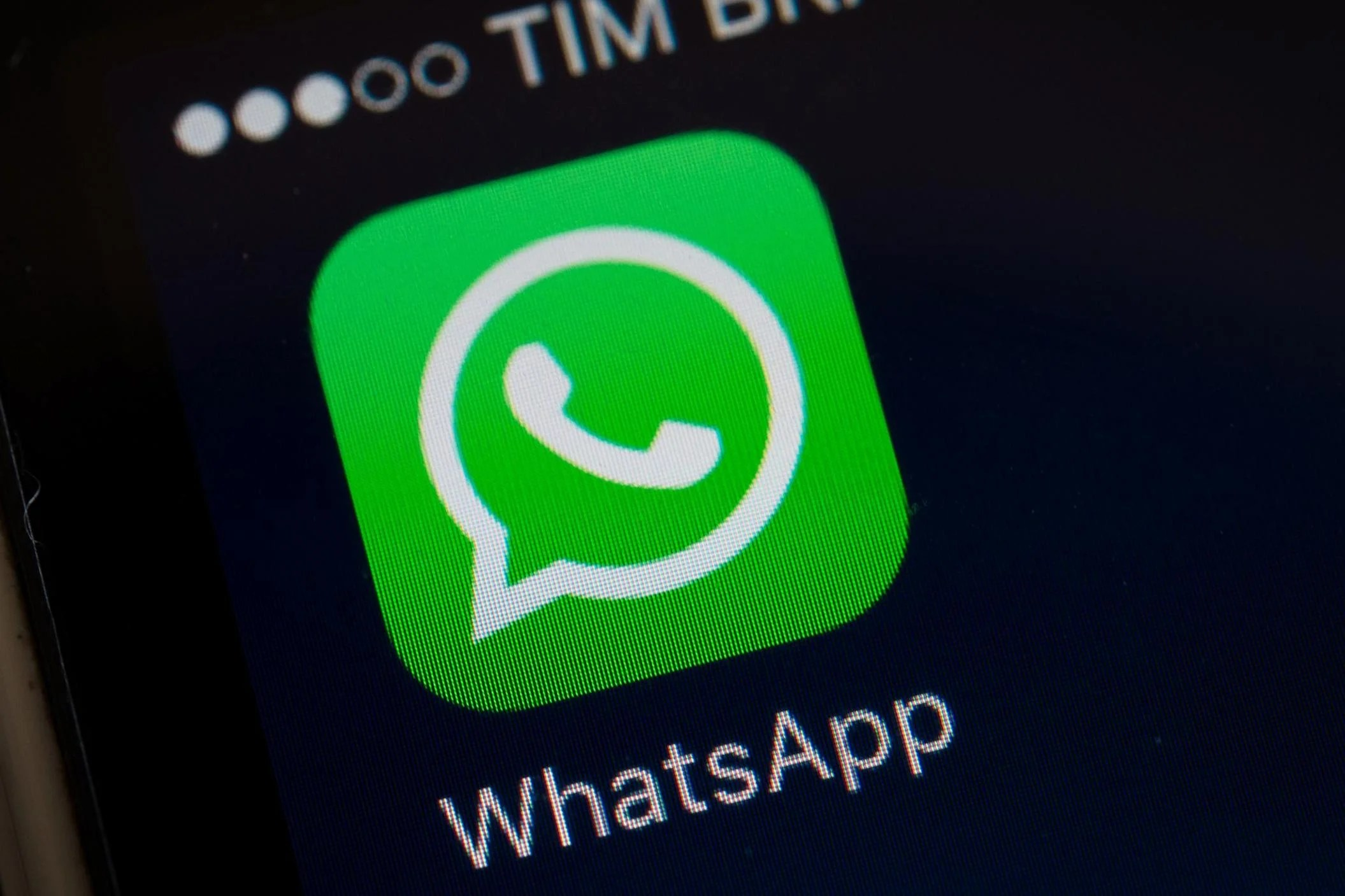 Apps That Let You Design A House Whatsapp Update Lets Users 39pin 39 Conversations Allowing
