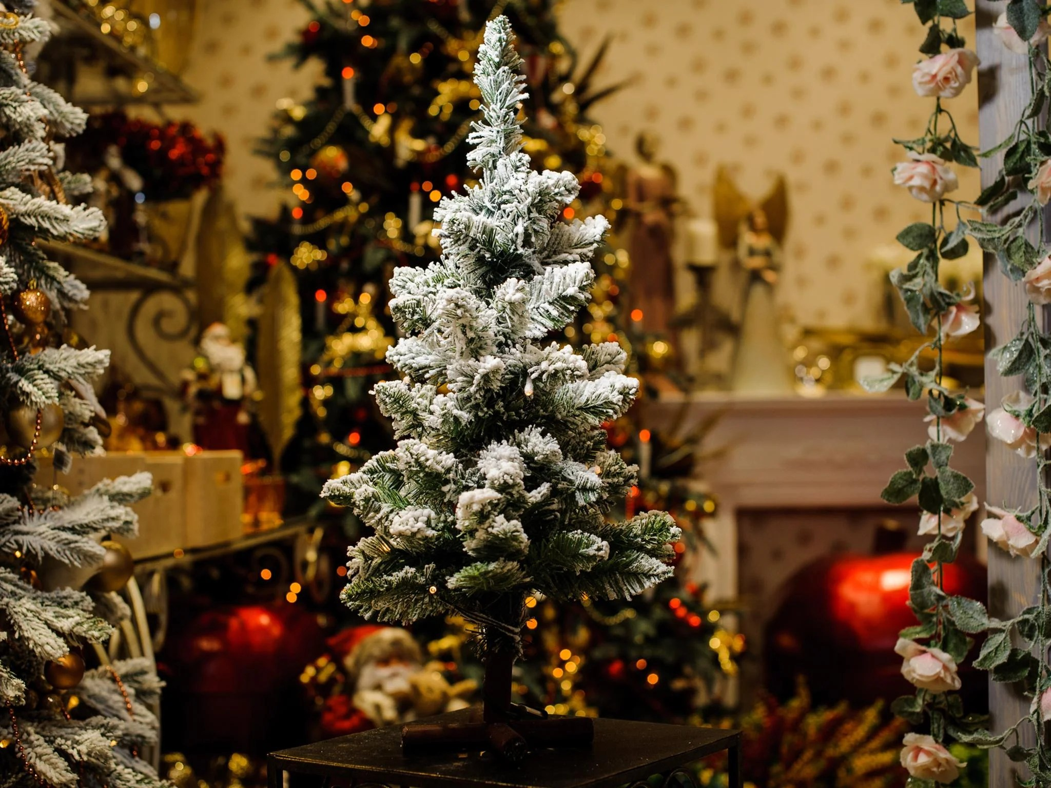 3d Xmas Tree Live Wallpaper 8 Best Artificial Christmas Trees The Independent