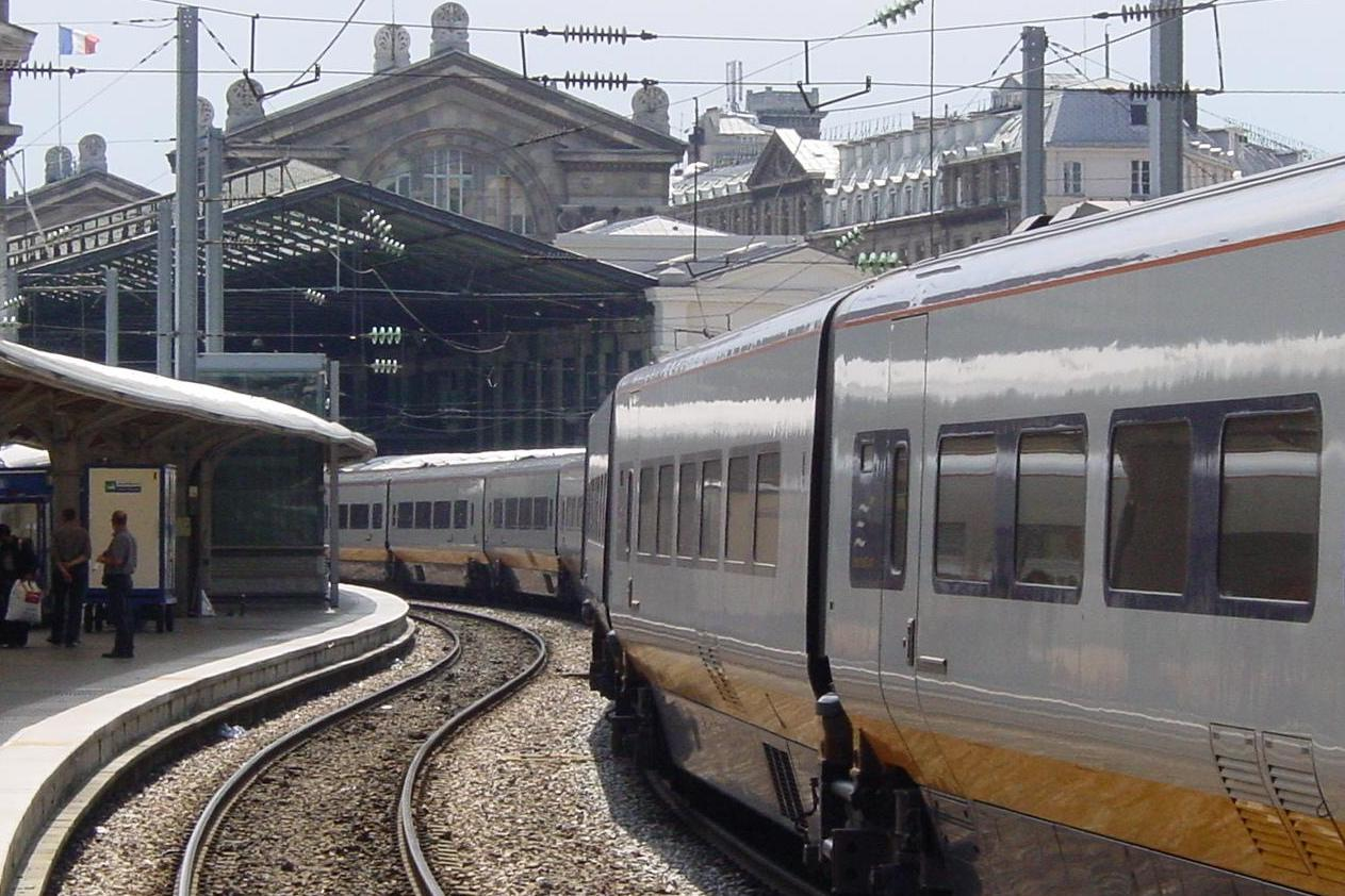 Paris Train Paris Eurostar Terminal Evacuated After Passenger Found With