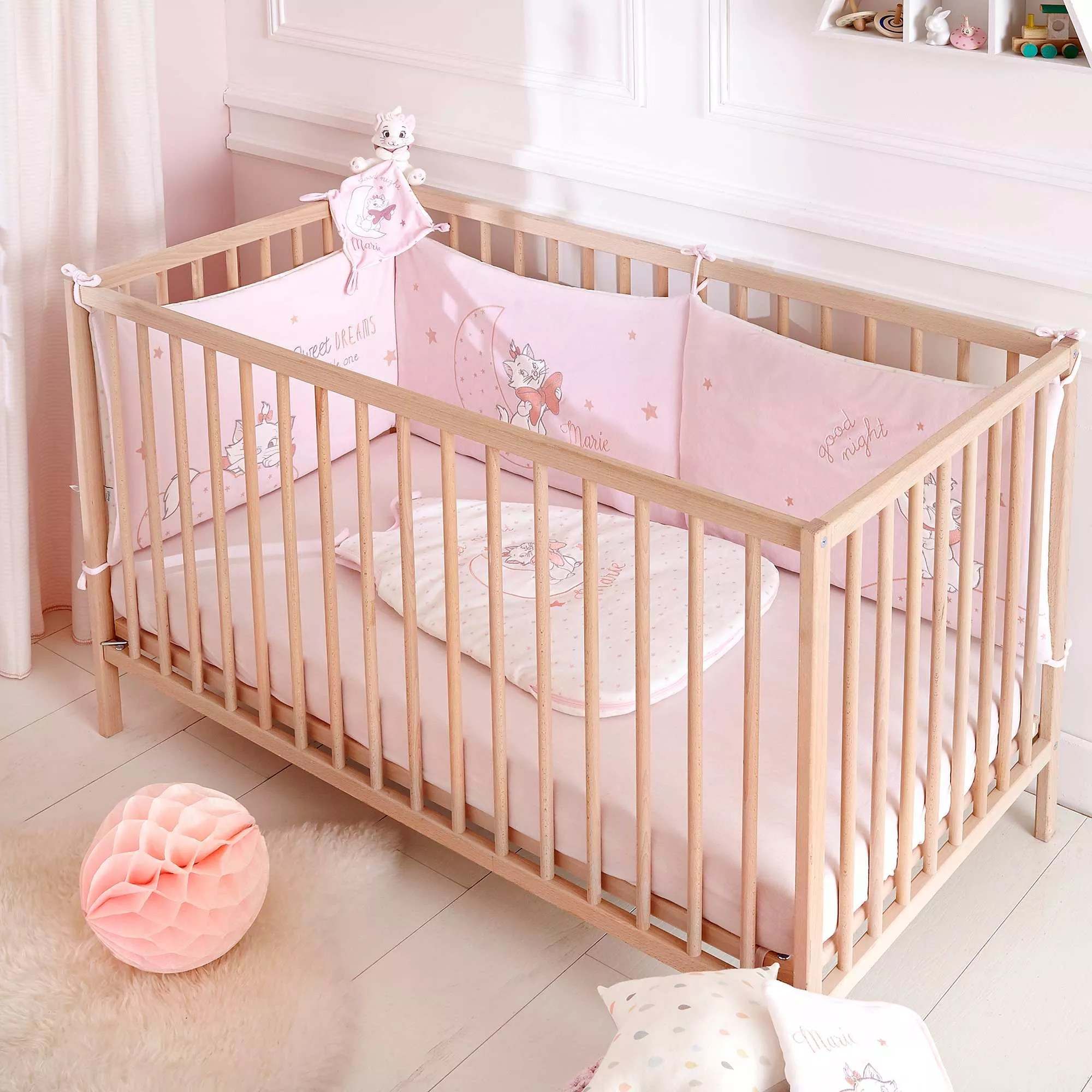 Chambre Fille Rose Pale Tour De Lit En Velours 39disney 39 Bébé Fille Rose Pâle