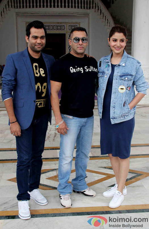 Ali Abbas Zafar, Salman Khan and Anushka Sharma at press meet of Sultan's Success