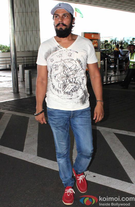 Randeep Hooda spotted at Airport