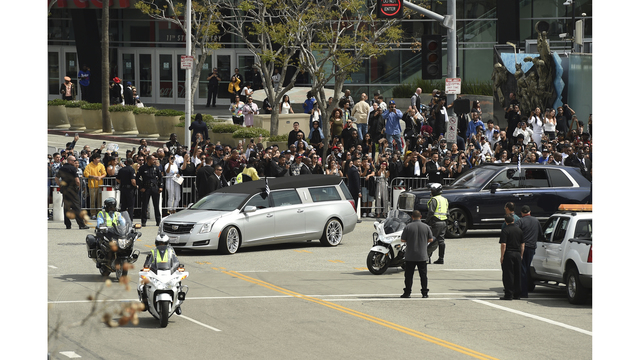Fans arrive for rapper Nipsey Hussle\u0027s Los Angeles memorial