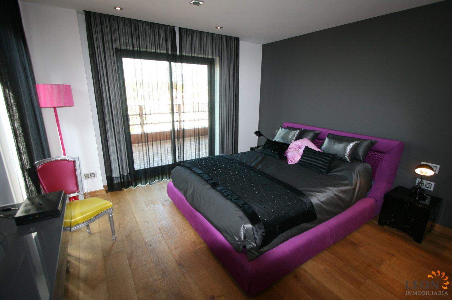 Schlafzimmer Modern Pink Magnificent Modern Villa With 5 Bedrooms 2 Pools Mooring