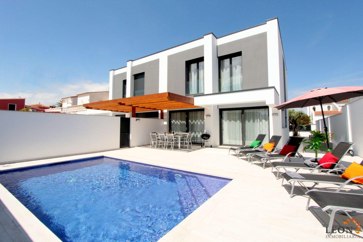 Luxury Holiday Villa With Pool New Luxury Holiday Villa For 8 Persons With Heated Pool Beautiful