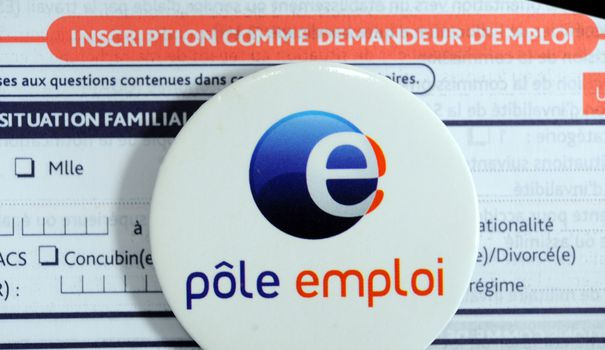 application pole emploi cv
