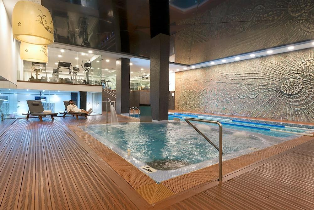 Gimnasios En Madrid Con Piscina Hotel Miguel Angel By Bluebay Madrid Logitravel