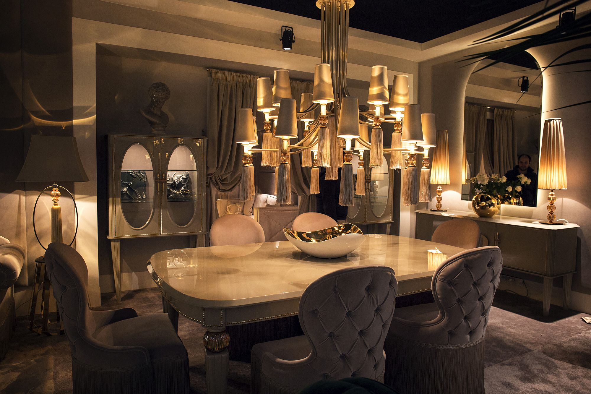Luxurious Dining Rooms Luxury All The Way 15 Awesome Dining Rooms Fit For Royalty