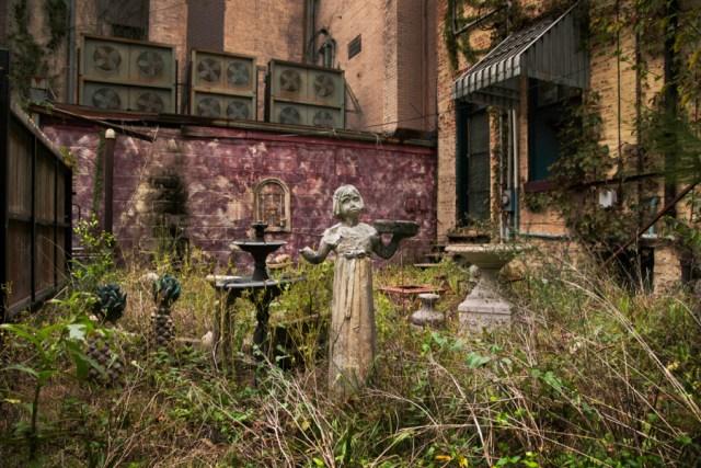 DSC_2357, Elberton, Georgia, Deep South, USA, 09/2013, USA-10910. Abandoned garden. Retouched_Sonny Fabbri 4/15/2013